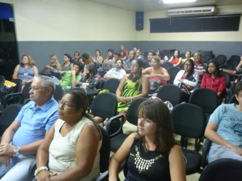 Aspecto da plateia que esteve no auditório da ESMAC